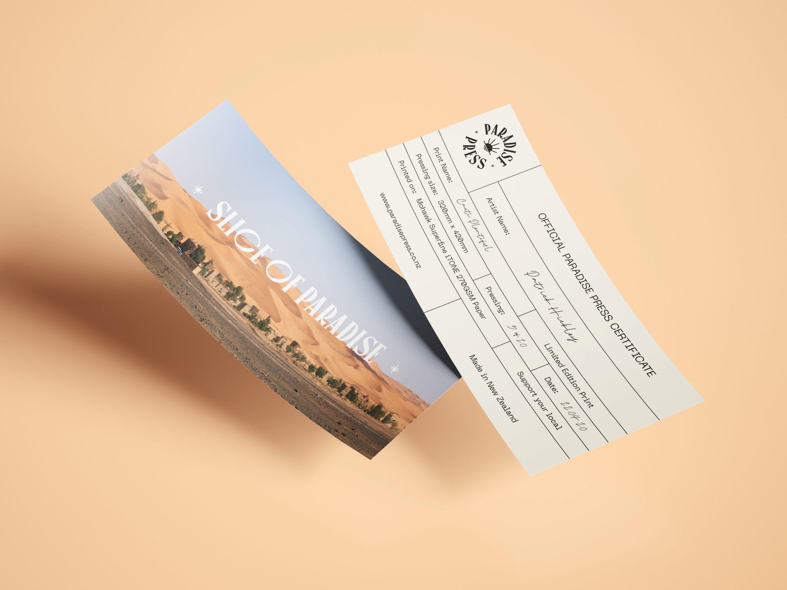 Flying_Leaflet_Mockup_3
